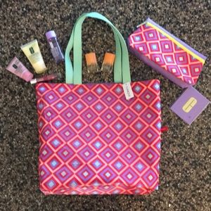 Clinique Tote and Cosmetic Bags With 7 Extras